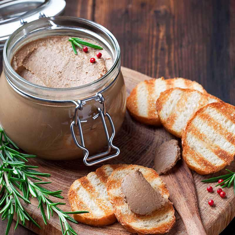 foto van geroosterd brood voor bij wildpastei